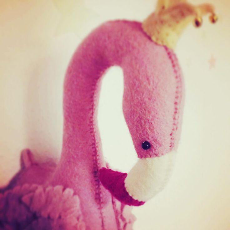 """6 synes godt om, 1 kommentarer – @justmyshop.dk på Instagram: """"Flamingo trofæ til 229,- 💖 #børneværelse #børneindretning #kidsroom #kidsdecor #trofæ #gamcha…"""""""
