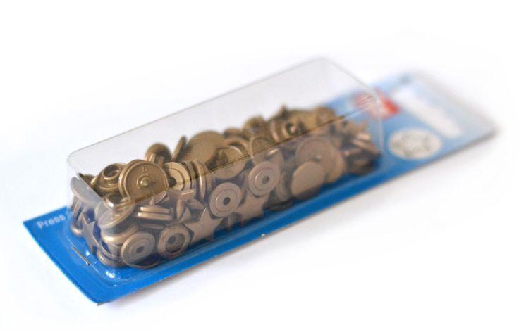 17 meilleures images propos de boutons sur pinterest for Boite a bouton couture