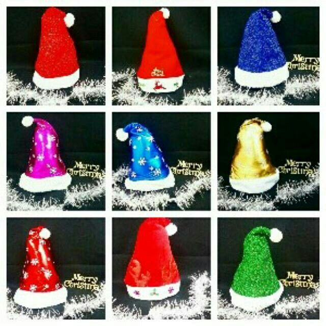topi natal sinterklas/santa claus pilih warna dan motif nb:sertakan pilihan kedua jika motif yg diminta soul hrg 50.000 sms/wa 085642917567 pin bbm 5a9ca498