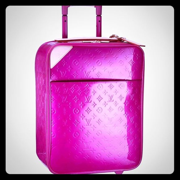 Louis Vuitton Rose Pop Pegase Luggage Suitcase * Discreetly embossed Monogram Vernis leather and polyamide lining * Golden brass pieces * Full double zipper closure * One large internal zippered pocket and two flaps for protecting the clothes * External zippered patch pocket * Self-blocking extendable patent leather handle * Removable natural cowhide address label * Cabin size  Wheels have wear and there is a tear when you zip. Will need to get fixed by a seamstress. Very well worn. This was…