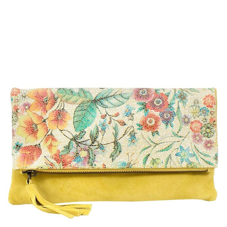 Moo Bloom Clutch Flower