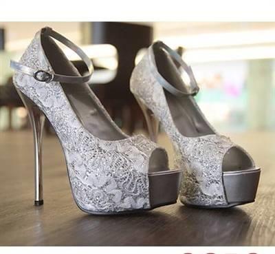 Женские кружевные туфли
