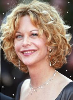 Meg Ryan With Short Curly Hair Style With Golden Blonde