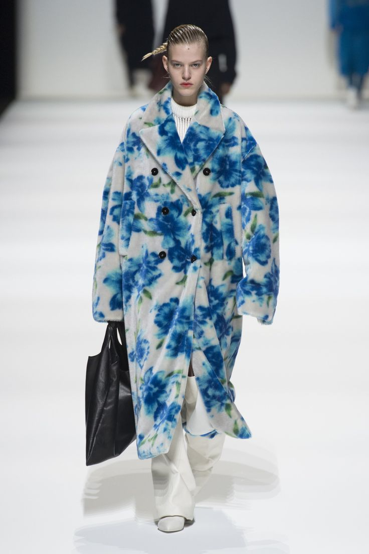 https://www.vogue.com/fashion-shows/fall-2018-ready-to-wear/jil-sander/slideshow/collection