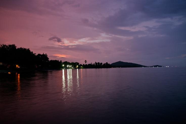 the bay in pemuteran by night