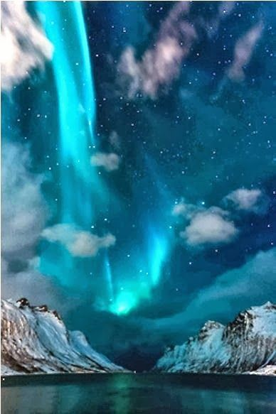 Northern lights in Iceland - it's Asgard! Looking forward to seeing this in November!