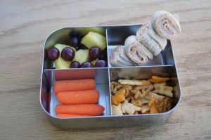 Momables blog. Lots of great kids' lunch ideas. Tells how to pack grilled sandwich and soup for lunch, even a baked potato!