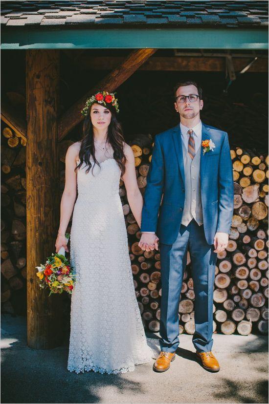 wedding photography | woodsy wedding | floral halo #weddingchicks