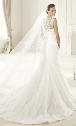 Pronovias Urdiel 4: buy this dress for a fraction of the salon price on PreOwnedWeddingDresses.com