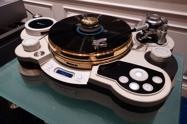 TechDas Air Force One Special Edition turntable With a