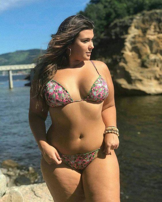 Plus size curvy girls bikini — pic 4