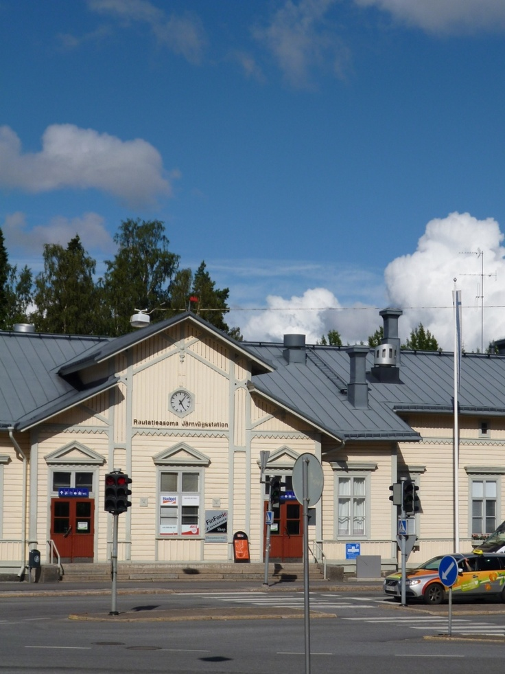 Bahnhof, Vaasa 2012 On the way home from the city center