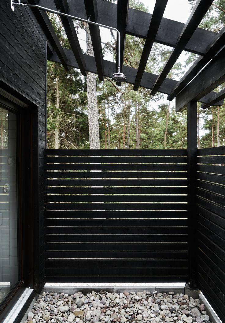 m.arkitektur- Skogshus vid strand2