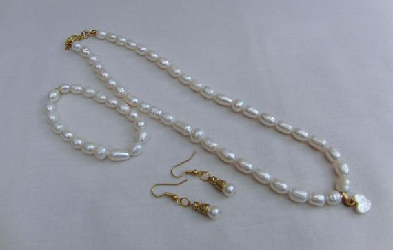 Bridal Jewellery Set with Cream Freshwater Pearls and a Mother of Pearl Heart , Necklace, Bracelet, Earrings, Bride, Accessories, Bridesmaid