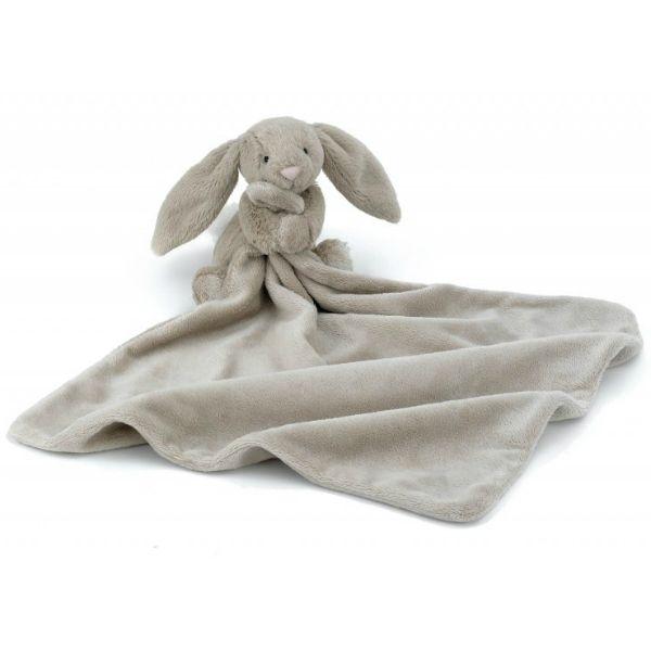 Bashful Bunny Soother från Jellycat är en underbar snuttefilt i mjukaste tyg med en sött liten kanin som håller i den. Mjukdjurskaninen är mysig att gosa med. Material: 100 % polyester Tvättbar.