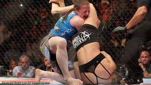 Ronda Rousey's latest win over Sarah Kaufman came via first-minute submission. (Courtesy Tracy Lee)