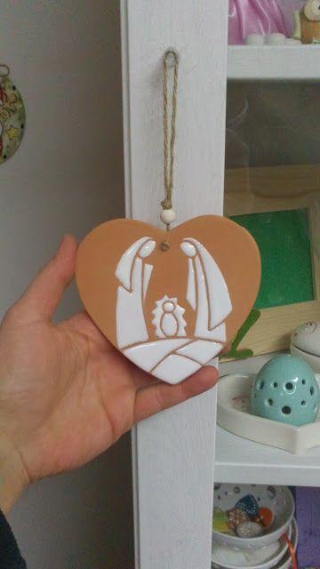 ceramica come mestiere: Decorazioni natalizie in ceramica. Sacra Famiglia....