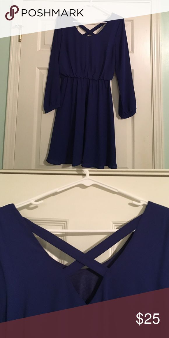 Royal blue long sleeve dress with crossed back Royal blue long sleeve dress with criss cross back Francesca's Collections Dresses Long Sleeve