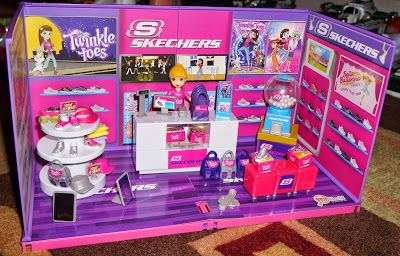 @jakkspacific miWorld Skechers Shoe Store Deluxe Set