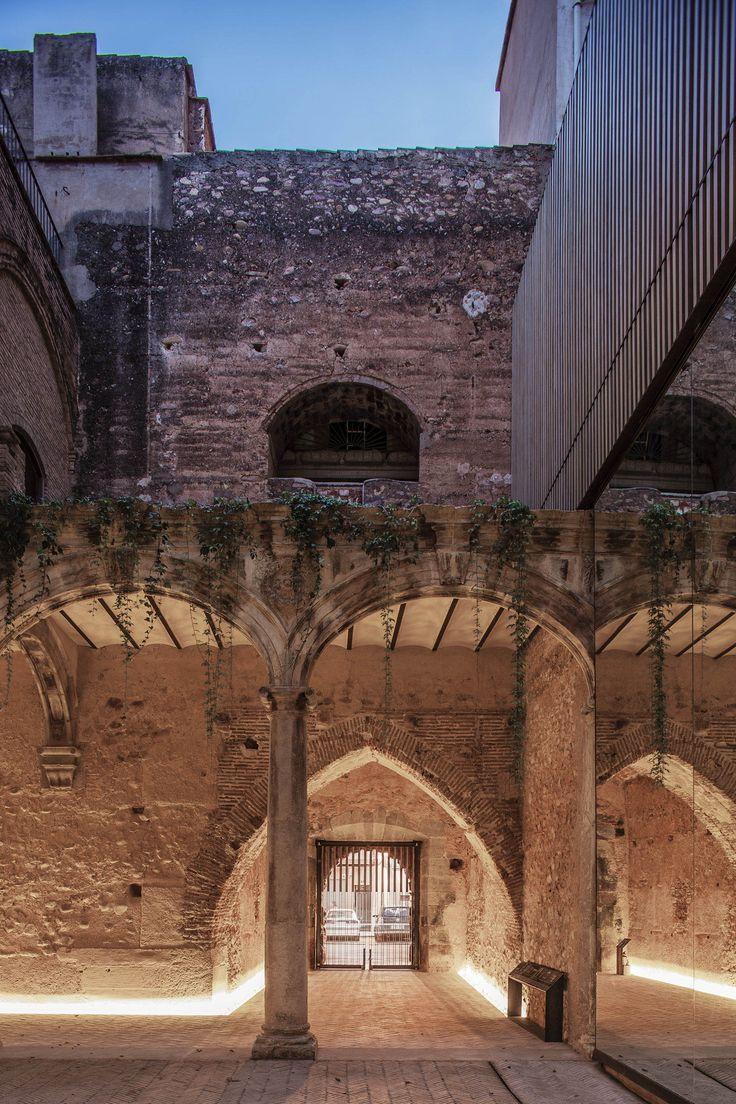 el fabricante de espheras / el antiguo claustro renacentista del palau-castell, betxí