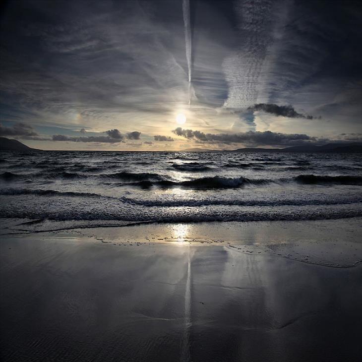 Uma praia no crepúsculo