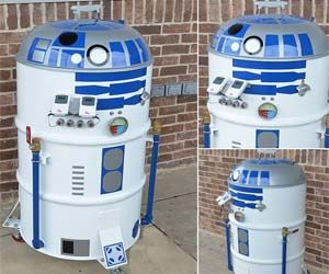 Now you can enjoy a festive outdoor grilling session with the universe's favorite droid sidekick with this Star Wars themed R2-D2 smoker and barbeque grill. Yes, I know what you're thinking: that it's impractical to only utilize R2's culinary and meat smoking skills, since he has interplanetary technological skills. But imagine if you took all…