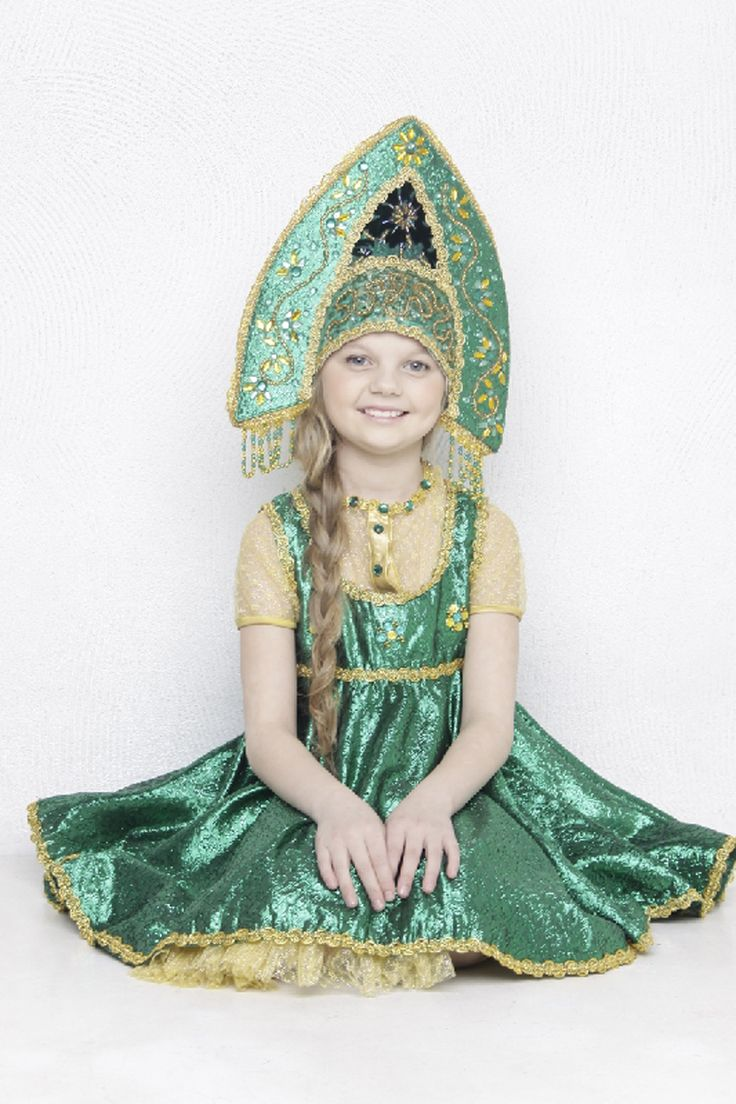 "A smiling Russian girl in the national headdress ""kokoshnik"". #cute #kids #folk"