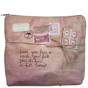 Bolsa de aseo Paquete Retro.  Vintage Package for girl want this