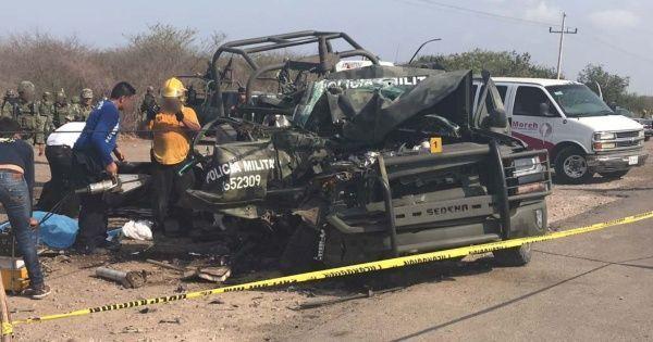 #DESTACADAS:  Mueren dos policías militares en accidente en Mazatlán - EL DEBATE