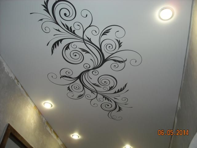 Натяжные потолки в прихожей с рисунком фотогалерея