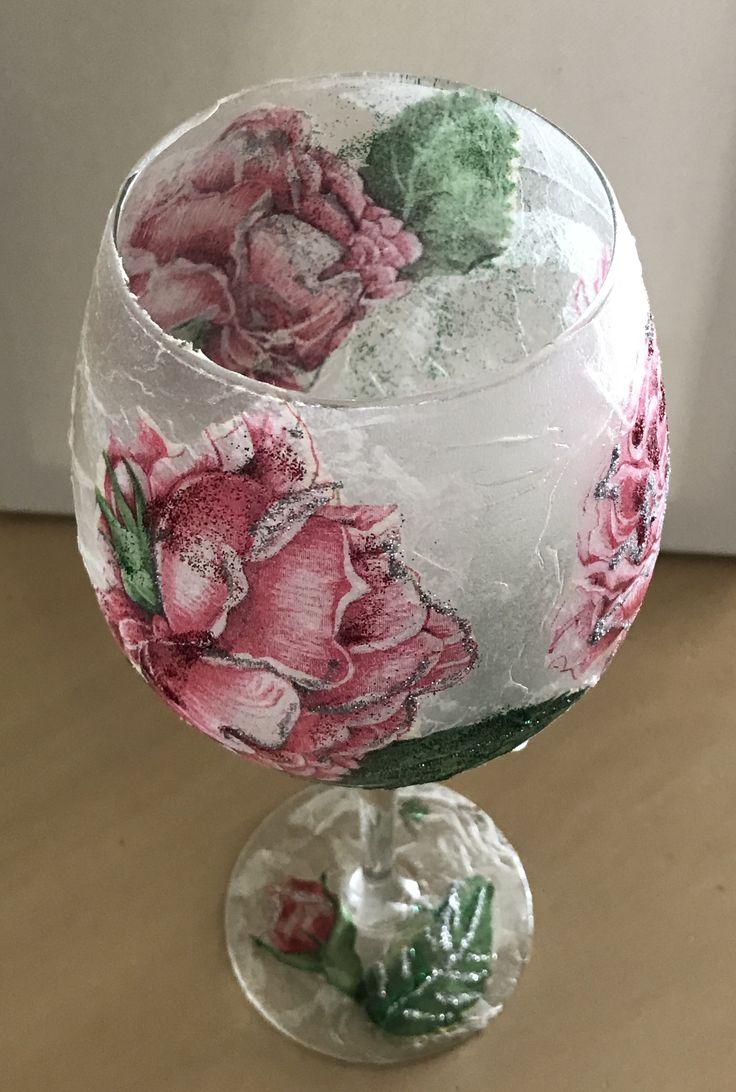 Ντεκουπαζ σε ποτήρι για χρήση κηροπηγιου decoupage on wine glass to be used as a candleholder