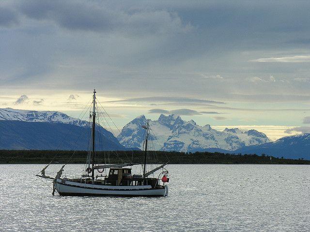 Barca en Punta Arenas, Chile | Nuria García | Flickr