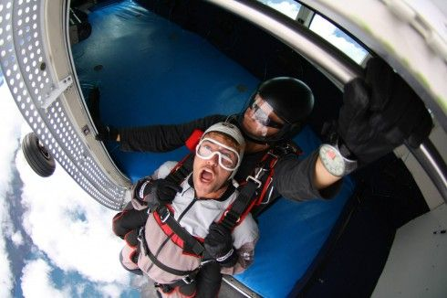 Skydive face http://www.mydestination.com/blog/queenstown-bbb/