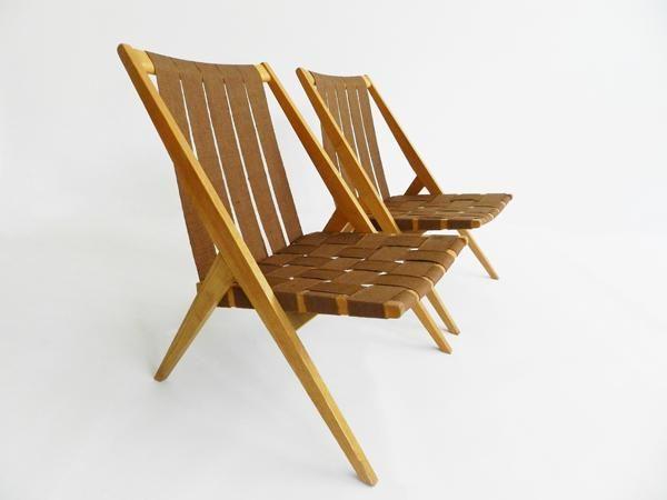 Mit Stoffbahnen bespannte Sessel