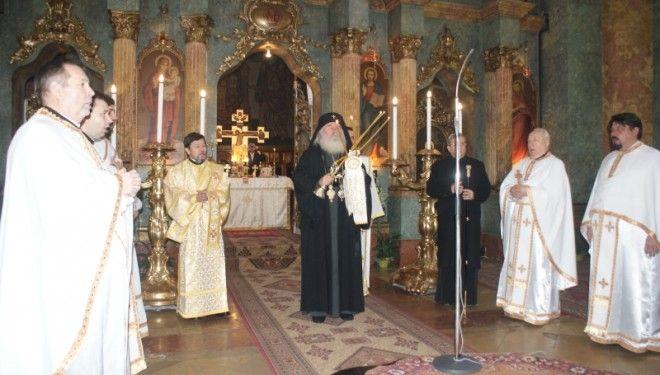"""Mitropolitul Banatului participa la manifestarile prilejuite de hramul Bisericii """"Adormirea Maicii Domnului"""""""