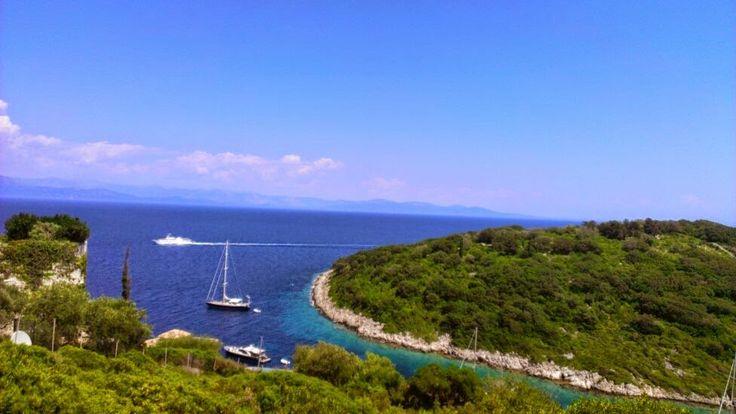 Ένα από τα μικρότερα νησιά και πολλοί αναρωτιούνται πώς υπάρχει τόση ομορφιά! ~ Όμορφα Ταξιδια