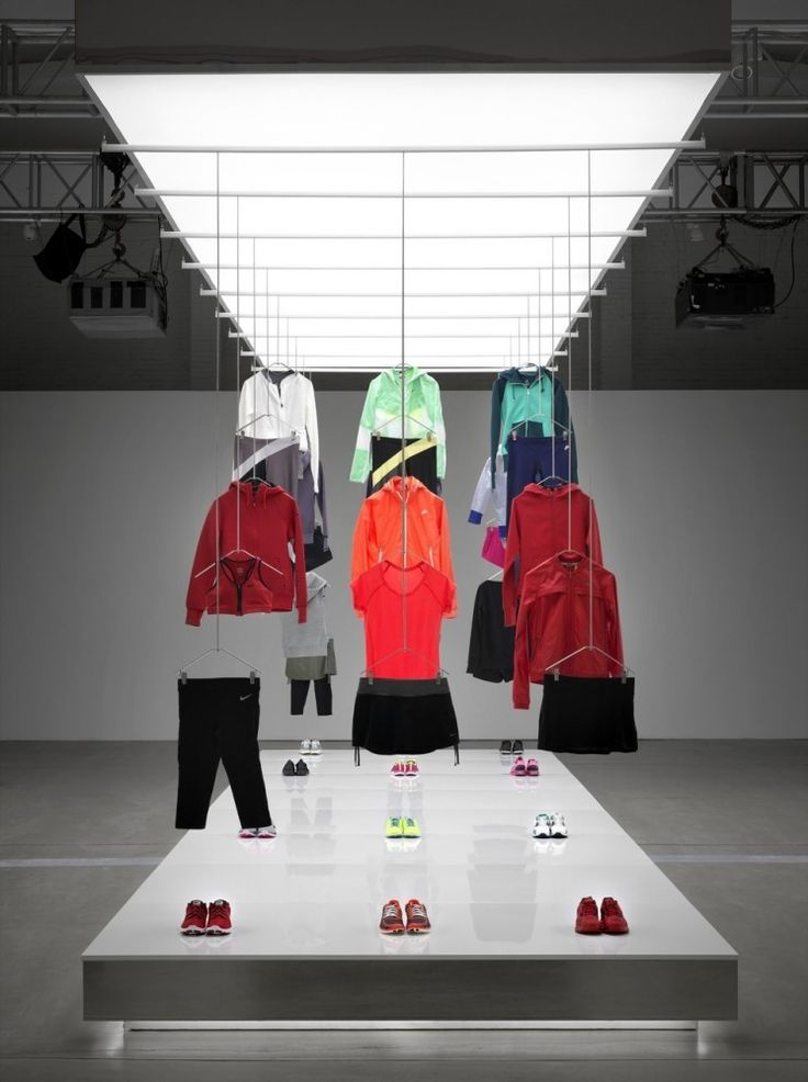 VM | Visual Merchandising | Retail Display | Retail Fashion Display | VM Fashion | Retail Design | Nike Pop Up Showroom / Maggie Peng & Albert Tien