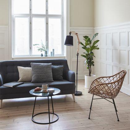 """Canapea Fabric Dark Grey! Nu-i asa ca aceasta canapea iti ofera o stare de bine? Parca ai juca intr-un film vechi! Este canapeaua care cu siguranta te va invata sa intelegi ce inseamna """"relaxare""""! Este disponibila si in varianta BLUE."""