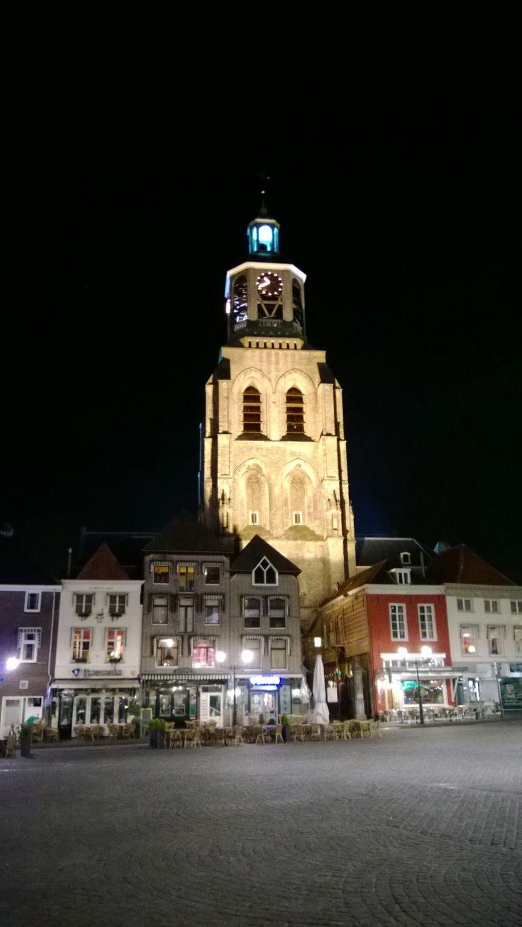 Bergen op Zoom: Verlichte Peperbus