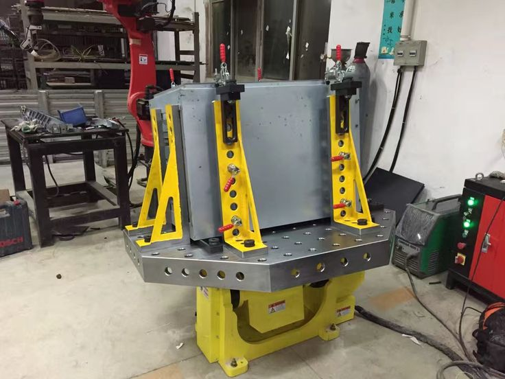 3D Octagonal welding table. Available for working together with different Positioners and Tilters. Table working are can be extende by cube case, supporting angles. Mounting hole can be made according to positioner and tilter size.