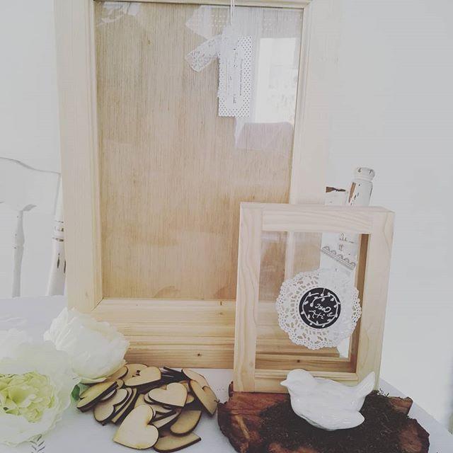 EsküvőszezON. Elkészült egy meghitt esküvő két kelléke, a rendhagyó vendégkönyv és a  homokceremónia keret.  Ez az első ilyen keretünk, kiváncsian várjuk az esküvőn készült fotókat! #wedding #esküvő #szertartás #esküvőidekor #weddingdecor #memory #weddingmemorybox