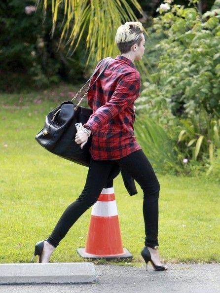 Miley Cyrus - Miley Cyrus Hits the Recording Studio