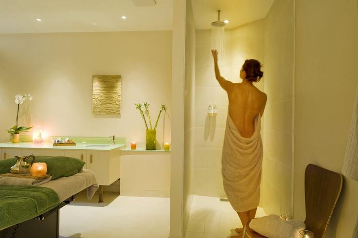 Ockeden manor hotel spa treatment room beauty room for Beauty treatment room decor ideas