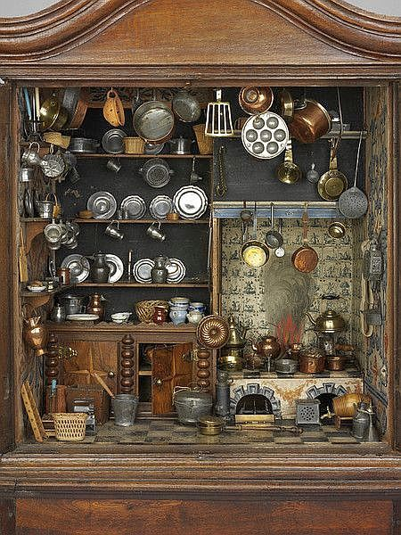 Fully furnished cabinet play kitchen made in Holland between 1670 and 1700.  ( I want it !!!! )