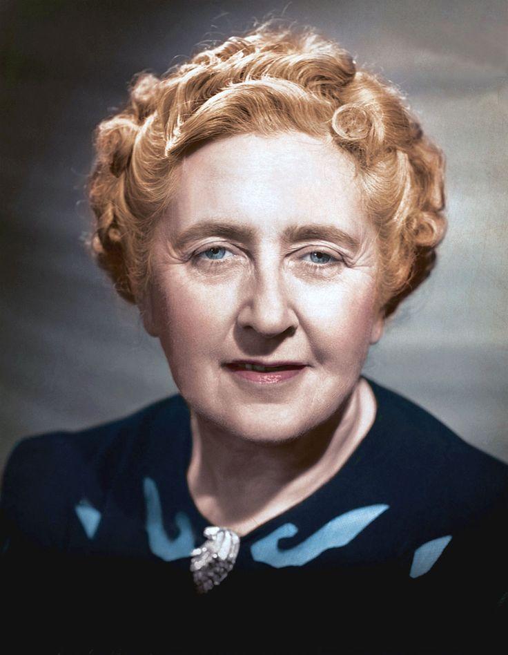 Agatha_Christie.Conforme inventário da UNESCO de traduções de livros, Agatha Christie é a autora mais traduzida em todo o mundo, com 6.598 traduções de seus contos, romances e peças teatrais.