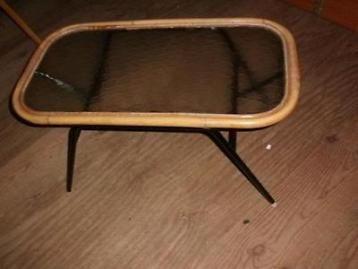 POTEN Prachtige oude tafel 75 bij 40 cm en 40 cm hoog zie mijn andere advertenties voor brocante, sport apparaten, vintage, retro, meubels, kasten, schilderijen, lampen enza