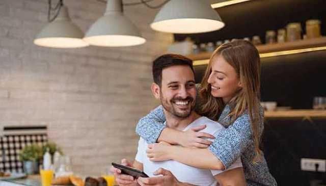 ٥ نصائح لحياة زوجية سعيدة وناجحة Couple Photos Couples Scenes