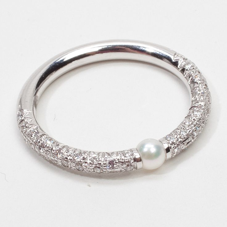 Mikimoto Pearl Band... How pretty is this?