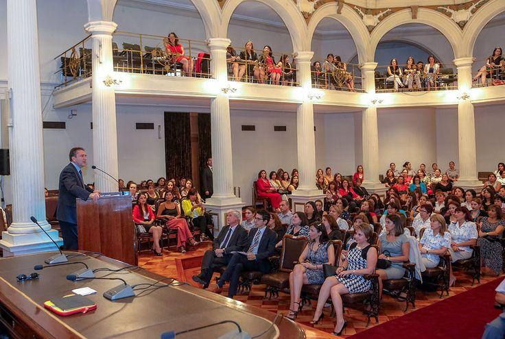"""Ministro de Defensa Nacional, José Antonio Gómez, presidió conferencia """"Mujeres y Liderazgo"""""""