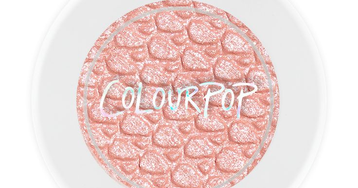 colourpop has finally started to ship internationally ( excluding china and turkey, I'm so sorry for you but you can purchase from them by using #comgateaway), So I decided to make a list of the product that I personally think are  the absolutely best! Lots of love :)